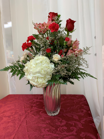 Radiant Love Valentine 2020 All around arrangement