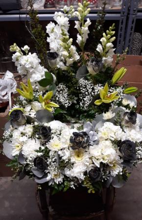 Raiders Colored Wreath Urn Wreath