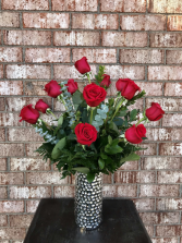 Ravishing Red Classic Dozen Roses