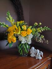 Ray of sunshine Vase arrangement
