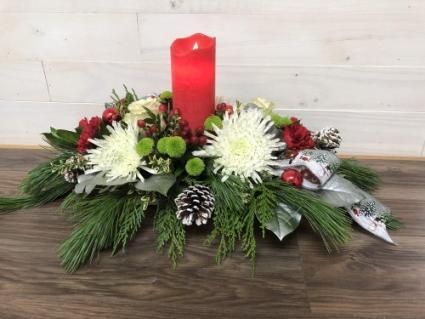 Real light candle centrepiece Christmas arrangement