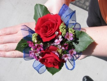 Red and blue corsage Wristle corsage