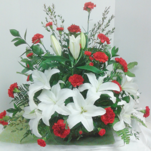 Red and White Remembrance  in Tottenham, ON | TOTTENHAM FLOWERS & GIFTS