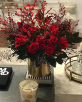 RED CHEER HOLIDAY ELEGANT AND MIXTURE FLOWERS