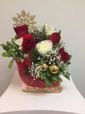 Red or White  Christmas Sleigh Christmas Floral