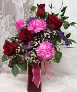 red dee for pink  in Grey Eagle, MN | Chris' Country Store Floral & Gift