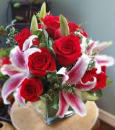 RED GARDEN ELEGANT MIXTURE OF FLOWERS