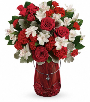 Red Haute Sweetheart Arrangement in Glasgow, MT | GLASGOW FLOWER & GIFT