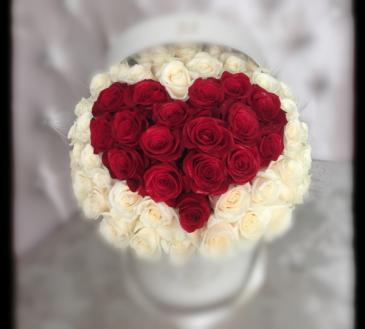 Red Heart Rose Box bouquet **FREE 8 PCS OF FERRERO BOX OF CHOCOLATE**