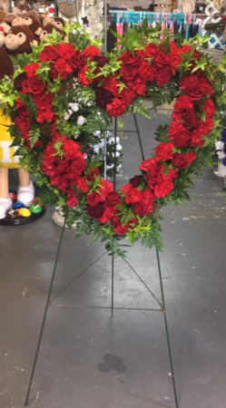RED HEART WREATH STANDING SPRAY