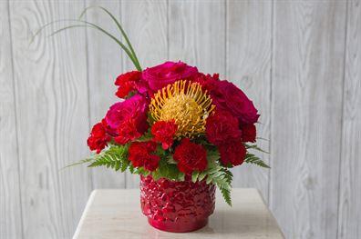 Red Hot Love fresh flowers econo line