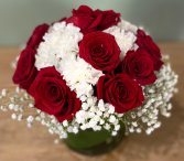 RED PASSION ELEGANT AND MIXTURE FLOWERS