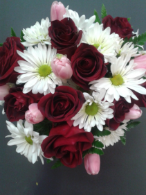 RED ROSES AND DAISIES Hand tied bouquet