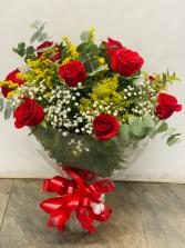 Red roses in vase love roses
