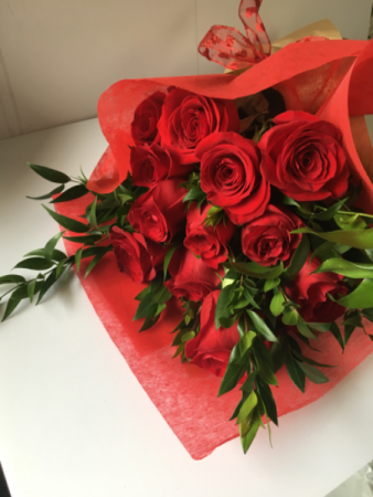 Roses Wrapped Large 70-CM Roses