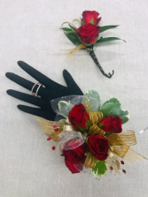 Red spray roses boutonniere