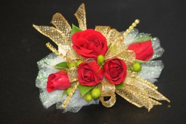 Red Spray Roses Gold Accents