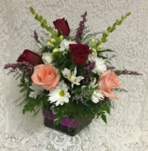 Valentine Cube  mixed flowers with 6 roses