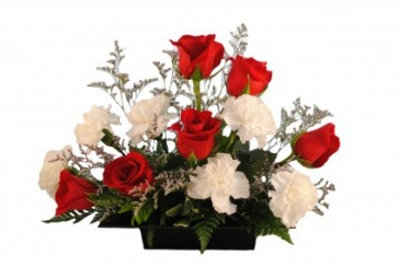 RED & WHITE ROMANCE Fresh Arrangement
