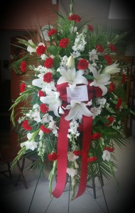 Red  & White standing Spray SY 136