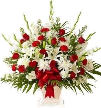 RED & WHITE SYMPATHY BASKET