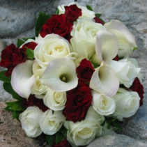 red &white wedding bouquet bride bouqtuet
