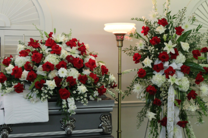 RED/WHT CASKET AND STANDING SPRAY FUNERAL/CASKET AND SPRAY FOR SERVICE