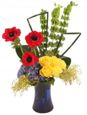 Showiness Bouquet in Woodbridge, CA | WOODBRIDGE FLORIST