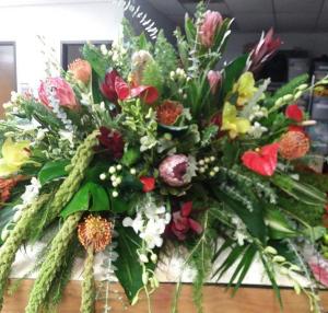 Resting Tribute Castet Piece  in Huntsville, AL | Blue Violet Florist