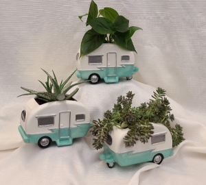 Retro Camper planter in Bolivar, MO | The Flower Patch & More