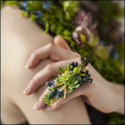 Ring Corsage in Succulents