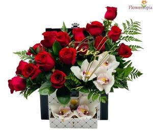 Treasure of my heart Red rose chest box in Miami, FL | FLOWERTOPIA