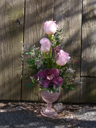 Rosa Orchid Wine Glass Roses & Orchid Accented with Small Flowers