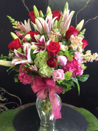 ROSE AND LILIES WITH HYDRANGEA