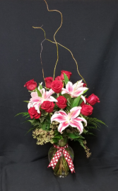 Rose and Lily Elegance   Premium Arrangement