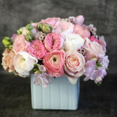 ROSE BLUSH ELEGANT MIXTURE OF FLOWERS