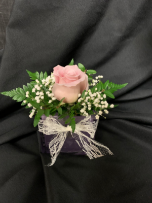 Rose Bowl Cube Arrangement  (*Everyday Best Seller) in Red Lake, ON | FOREVER GREEN GIFT BOUTIQUE