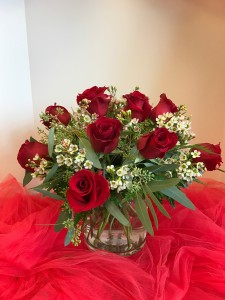 HAVE A ROSEY DAY  ROSES IN SHORT CYLIINDER