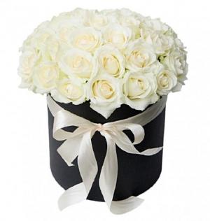 Rose box   in Ozone Park, NY | Heavenly Florist