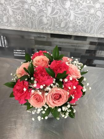 Rose & Carnation Bowl Bouquet  Bubble bowl vase