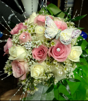 Rose cluster Magical rose arrangement  in Ozone Park, NY | Heavenly Florist