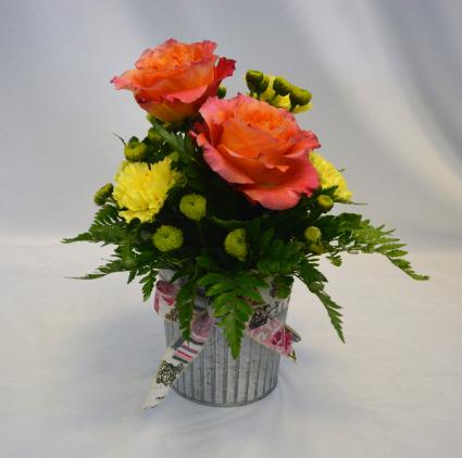 ROSE GARDEN BLUSH Flower Arrangement