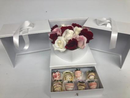 ROSE HEART BOX W/ 12 STRAWBERRIES