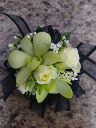 rose & orchid Petite Corsage