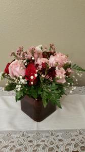 Rose Pack Multi Centerpiece Valentine fFowers