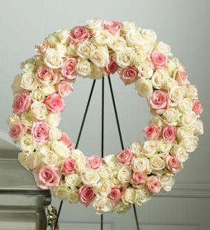 Rose Standing Wreath Unforgettable