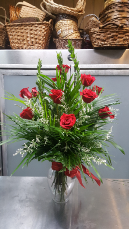 Classic Long Stem Dozen $75.95  $85.95 $100.95 in Universal City, TX | BLOOMINGTONS FLOWER SHOP
