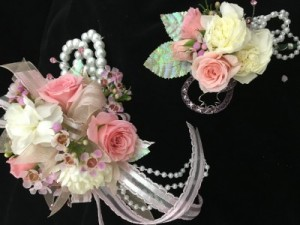 Roses and carnation Wristlet & Bout Prom in Glasgow, MT | GLASGOW FLOWER & GIFT