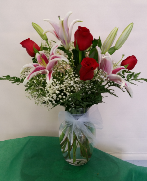 Roses and Lilies Vase in Lorton, VA | Gunston Flowers