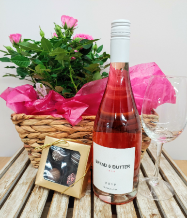 Roses and Rosé Gift Basket